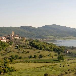Piazza, Borgo di San Savino, Magione