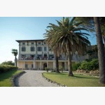 <p>Villa Schnabl, Monte del Lago, Lago Trasimeno</p><br>